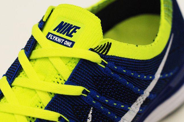 Nike Lunar One Blue Volt Laces 1