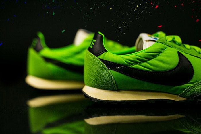 Nike Waffle Racer Premium 17 Action Green 3