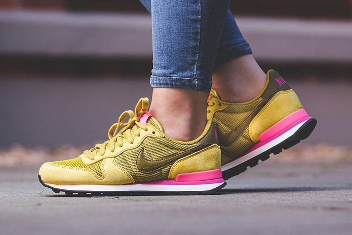 Nike Internationalist Wmns Peat Moss5 1