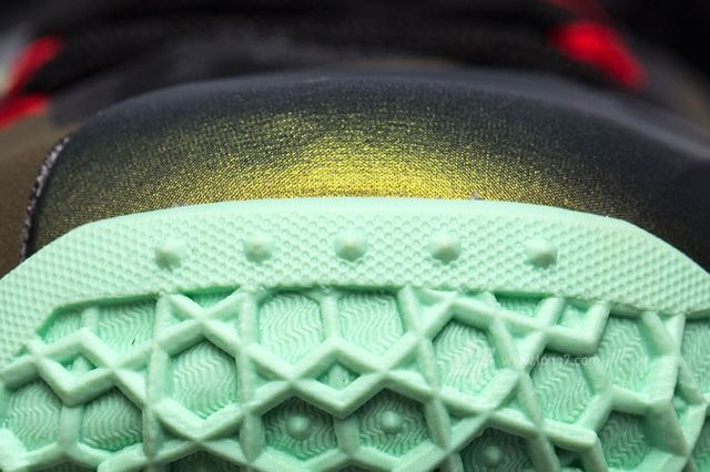Nike Lebron Xi 11 Parachute Gold Update 6