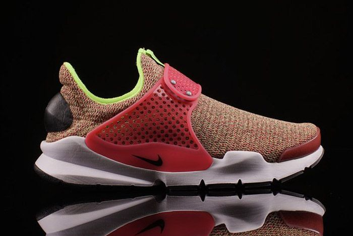 Nike Sock Dart Wmns Ghost Green Hot Punch 1