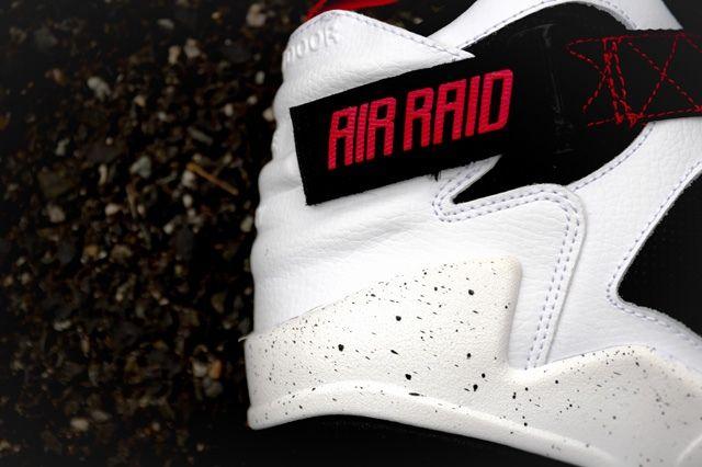 Nike Air Raid White Black University Red 1