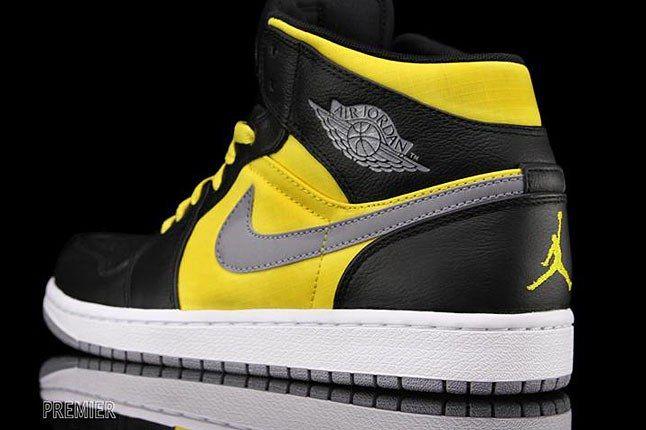 Nike Air Jordan 1 Phat Killer Bees 1