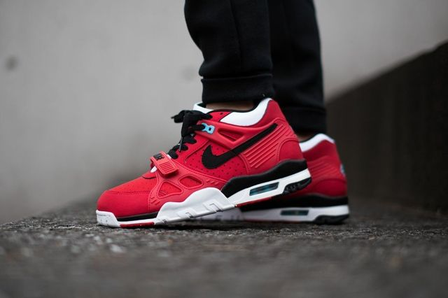 Nike Air Trainer 3 University Red 2