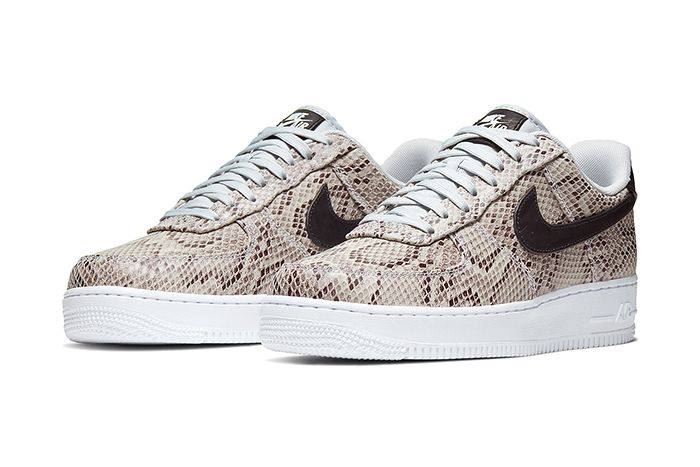 Nike Air Force 1 Low Premium Snakeskin White Black Pure Platinum Bq4424 100 Release Date Pair