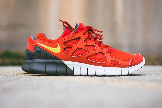 Nike Free Run 2 Light Crimson 2