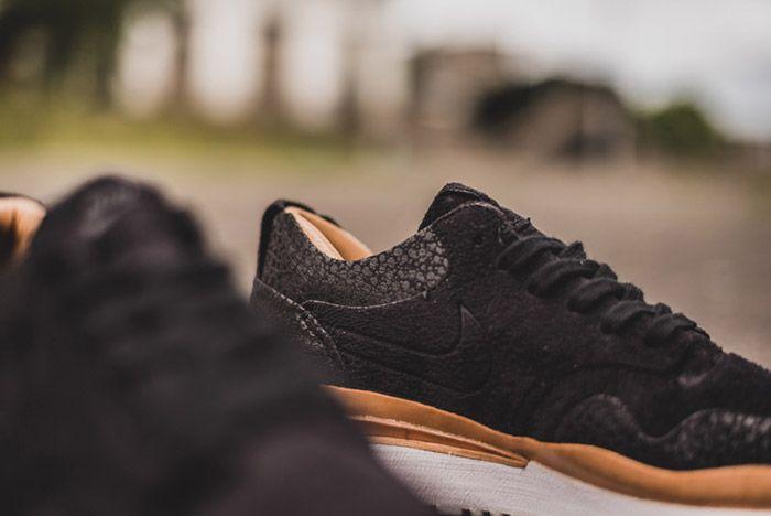Nike Air Safari Royal Black 3