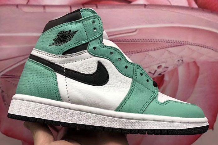 Air Jordan 1 High Og Mismatch Perforated Green Right