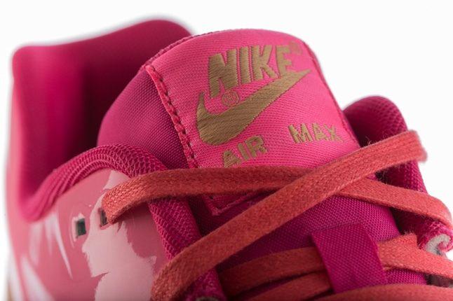Nike Am1 Vt Vachetta Pack Pink Tongue Detail 1