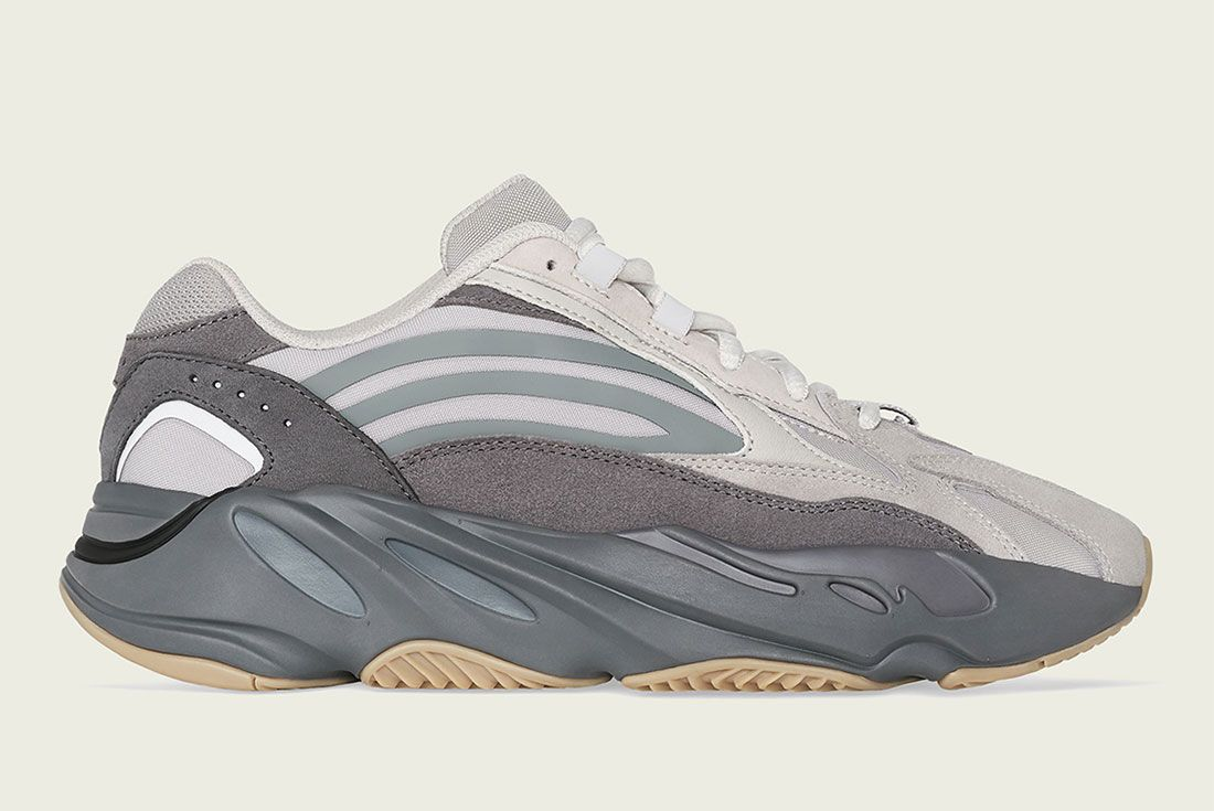 Adidas Yeezy Boost 700 V2 Tephra Fu7914 Lateral Side Shot