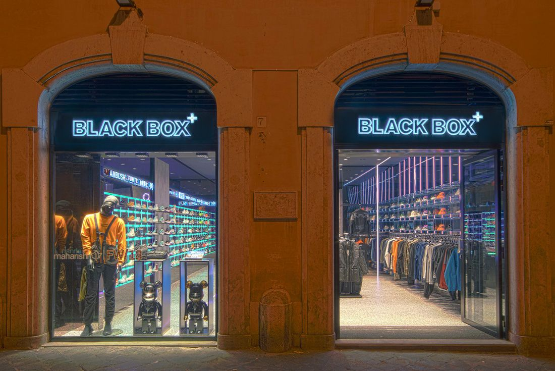 Black Box, Rome