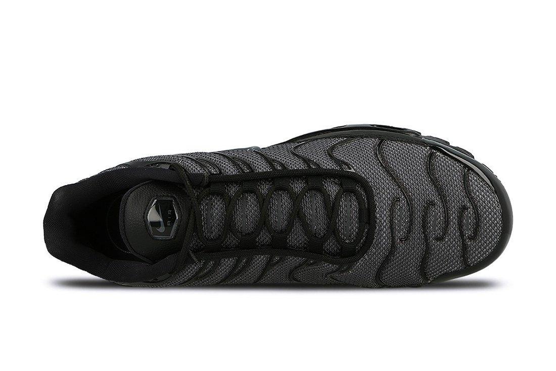 Nike Air Max Plus Womens Black Dark Grey3