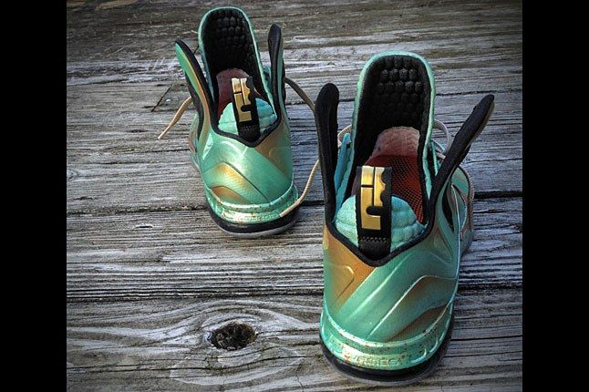 Mache Statue Of Liberty Sneaker 1