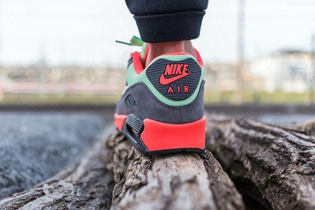 Nike Am90 Vapour Green Bumper 1