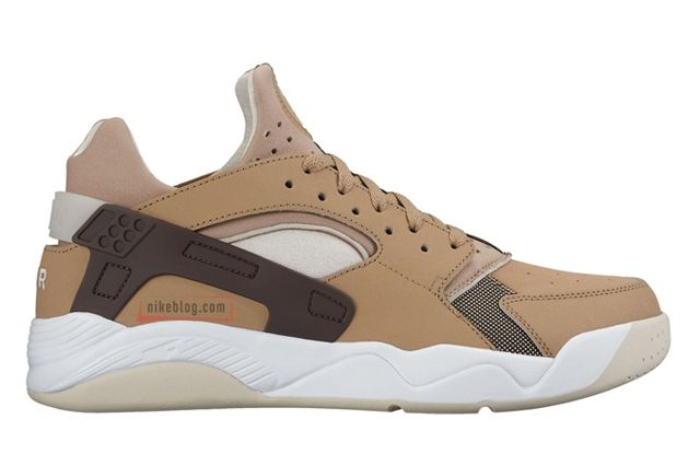 Nike Air Flight Huarache Low Tan