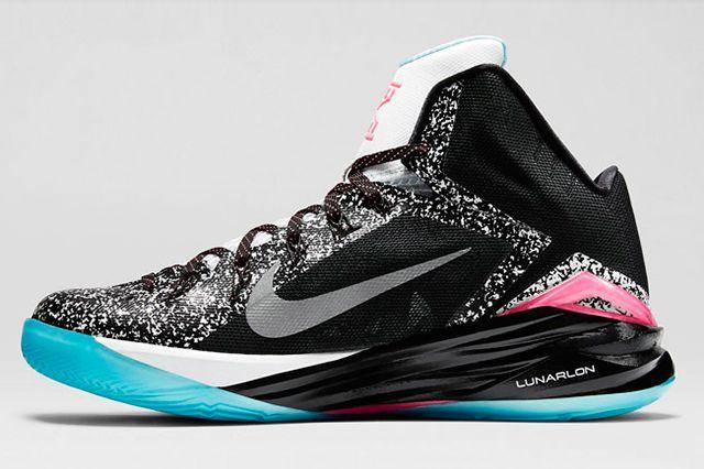 principalmente Farmacología Observar  Nike Hyperdunk 2014 (Kyrie Irving Pe) - Sneaker Freaker