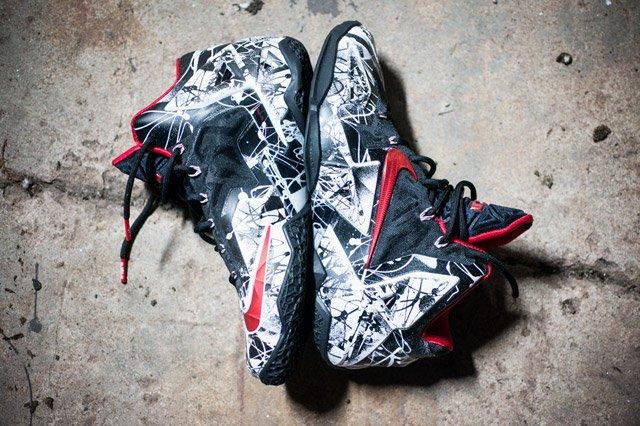 Nike Lebron 11 Grafitti Feature2