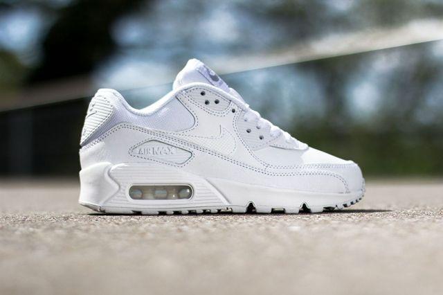 Nike Air Max 90 Gs Triple White 2