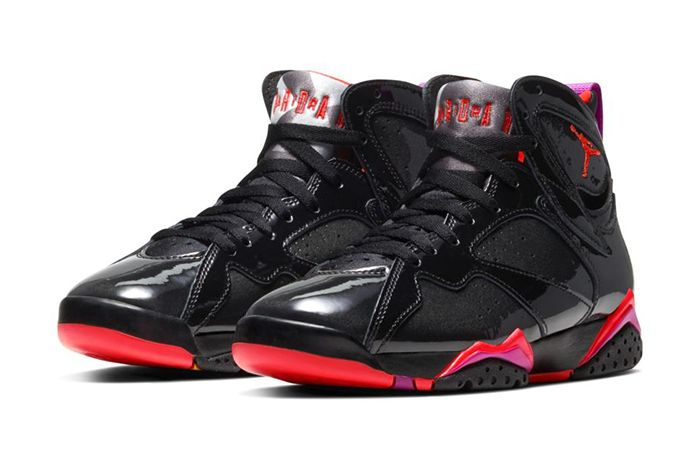 Air Jordan 7 Wmns Black Gloss 313358 006 Release Date Pair
