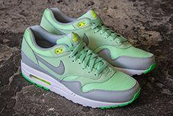Nike Air Max1 Essential Vapor Green Thumb