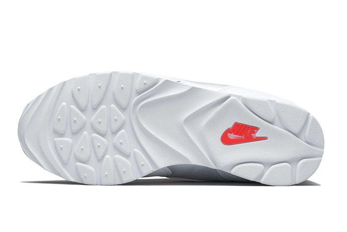 Nike Womens Outburst Og 5