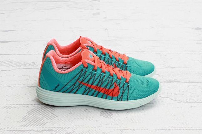 Nike Lunaracer3 Sprtturquoise Ttlcrimson Profile 1