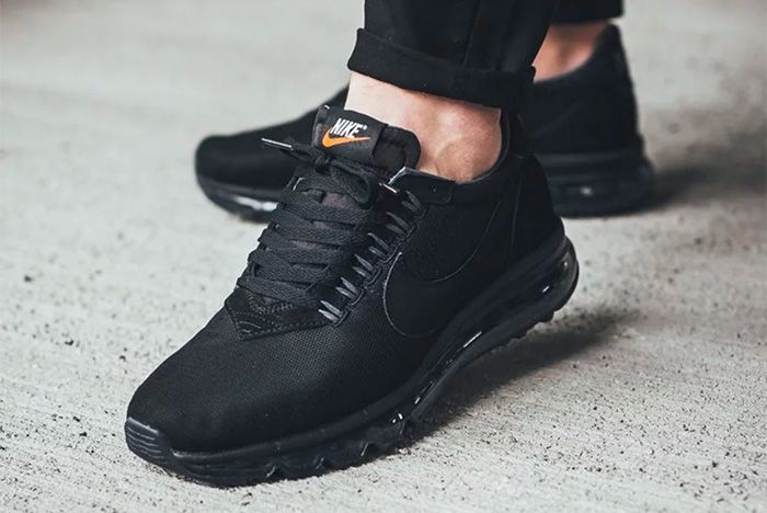 air max zero triple black