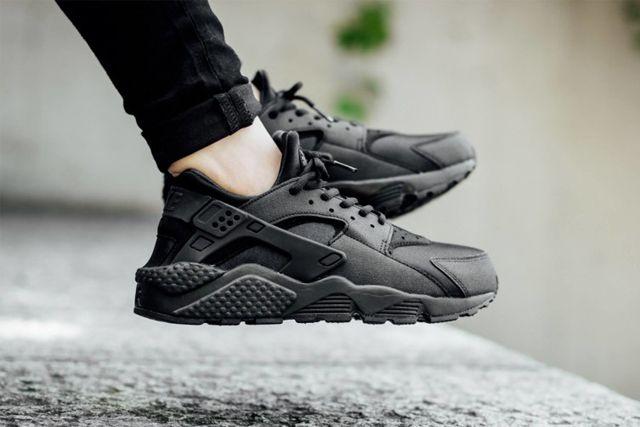 Nike Huarache Triple Black 2