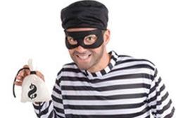 Thumb Sneaker Robbery