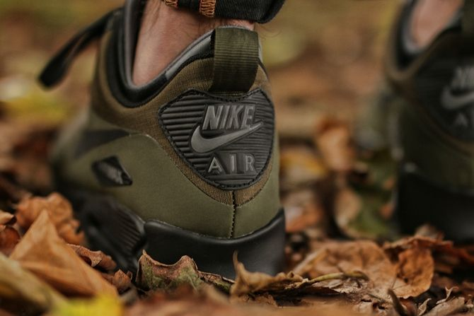Nike Air Max 90 Mid Winter Dark Loden Black Dark Grey 4