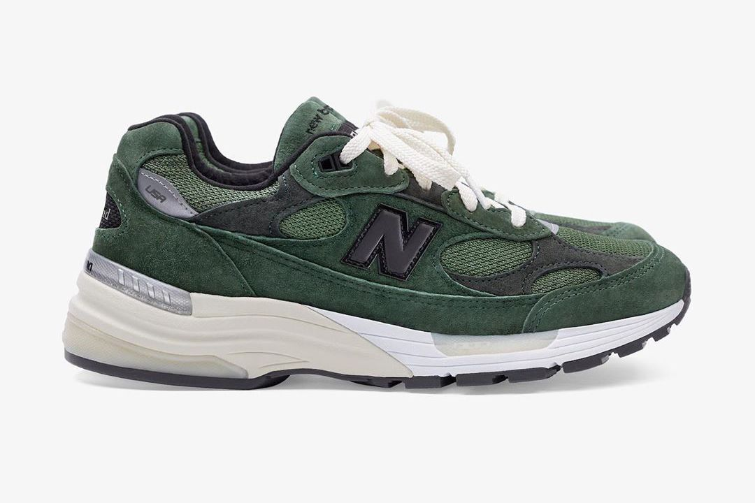 JJJJound New Balance 992 Green Right
