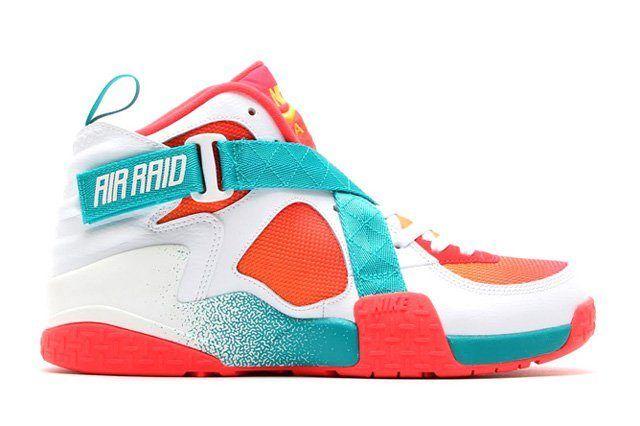 Nike Air Raser Laser Crimson Bump 1