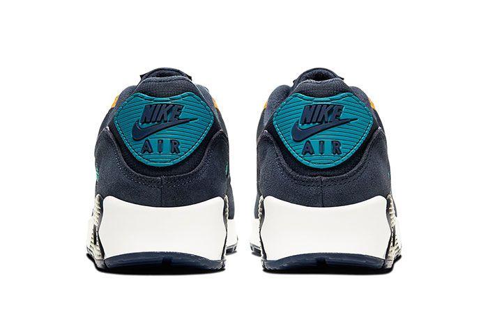 Nike Air Max 90 Persian Violet Heel