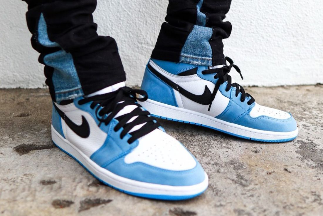 air jordan 1 university blue on foot