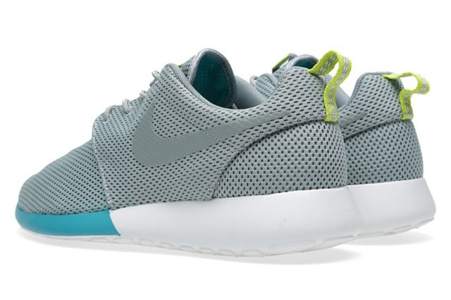 Nike Roshe Run Mica Green Summit 4