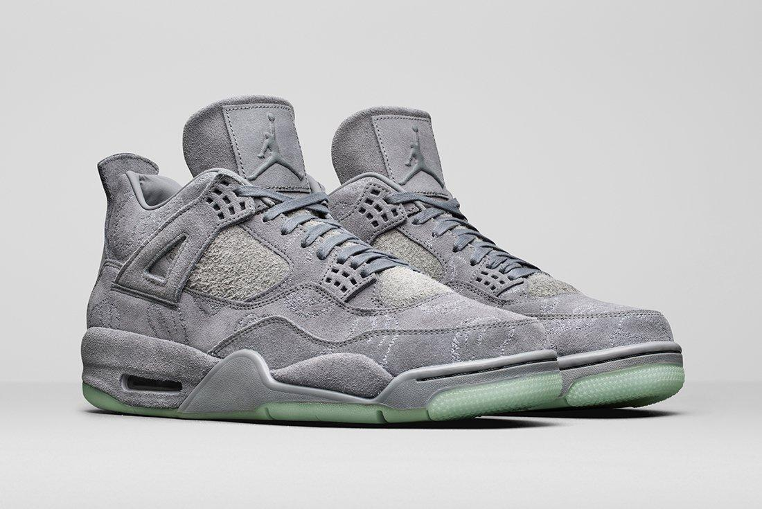 A Detailed Look At The Kaws X Air Jordan 417 1 1