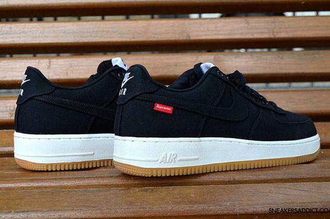 Nike Air Force 1 Supreme Pair 1