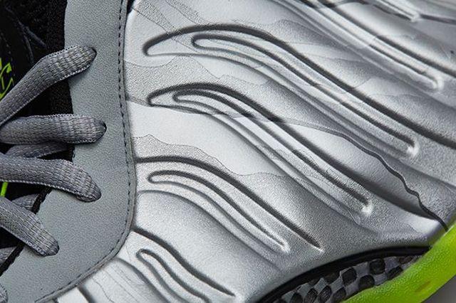 Nike Air Foamposite One Premium Metallic Silver Volt 4
