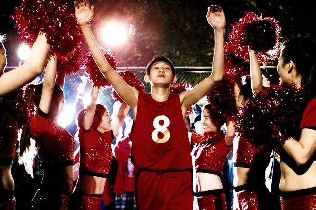 Nike Ad Dongdong With Cheerleaders 1