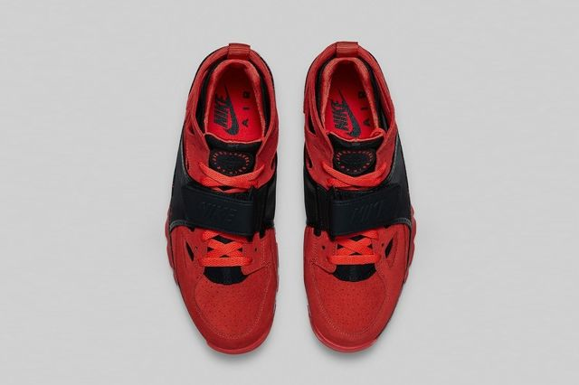 Nike Air Trainer Huarache Challenge Red Bumperoo 1