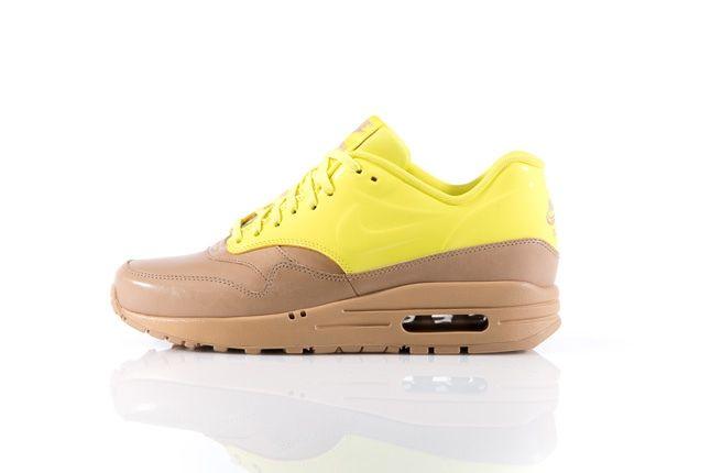 Nike Am1 Vt Vachetta Pack Yellow Profile 1