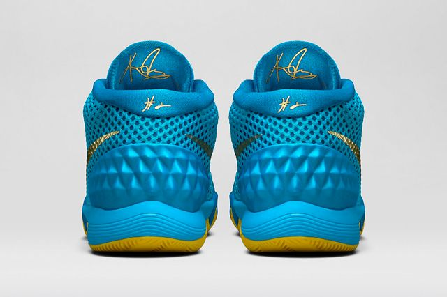Nike Kyrie 1 Current Blue 4