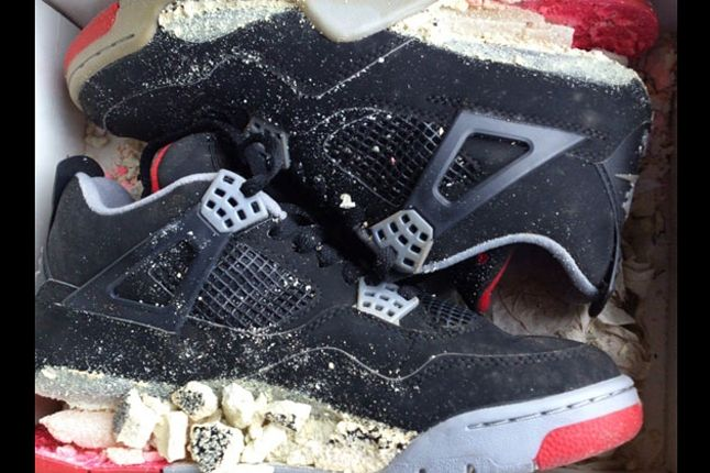 Air Jordan 4 Bred 1999 Retro Shattered Sole 1