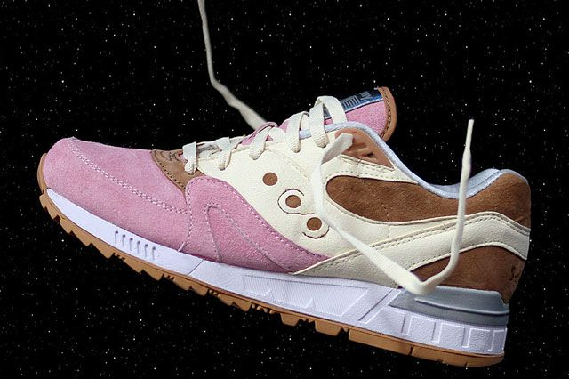 Saucony Spacesnack Sideview