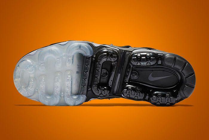 Nike Air Vapormax Plus Black 3
