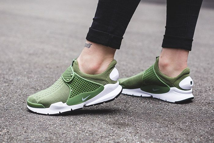 Nike Sock Dart Wmns Palm Green 1
