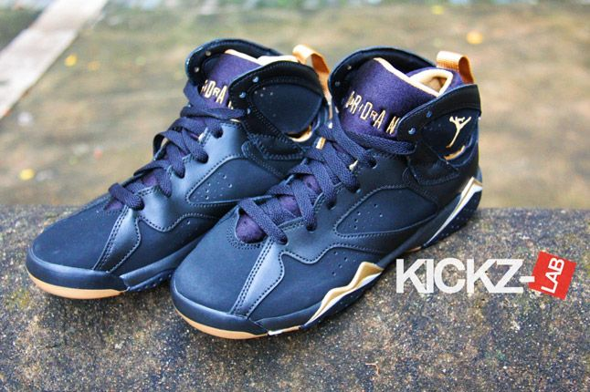 Air Jordan 7 Gold Medal New Pics 03 1