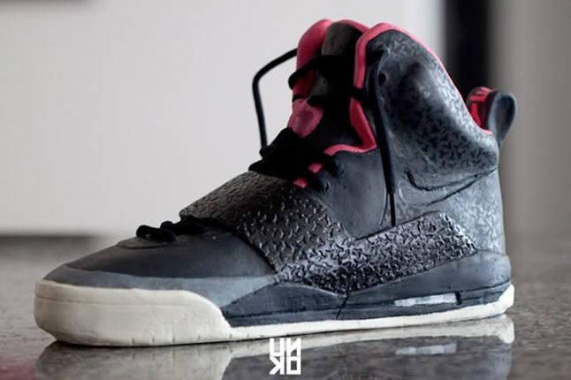 Nike Air Yeezy Scuplture 7 1