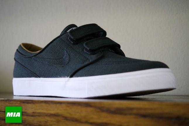 Nike Stefan Janoski Ac Rs Black Toe Quarter1 1