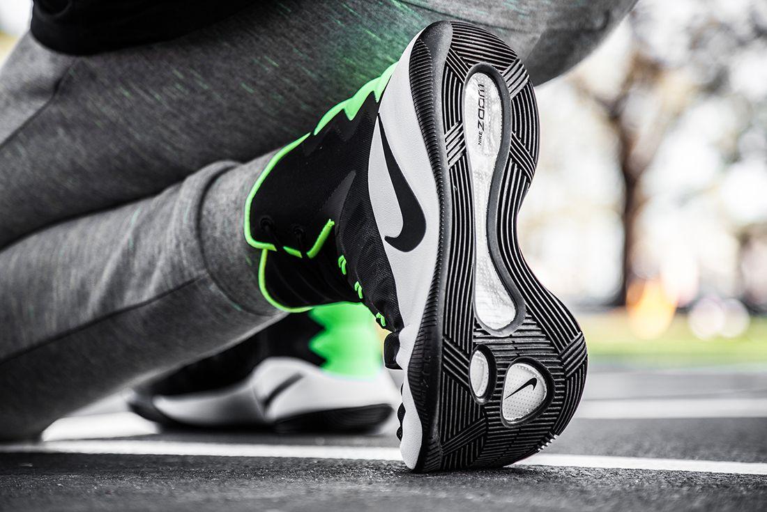 Nike Hyperdunk Blk Detail